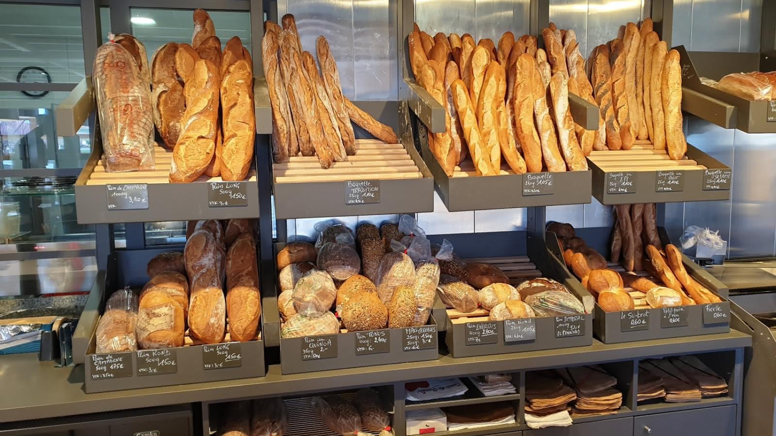Duonos kepinius vis dažniau perkame specializuotose parduotuvėse